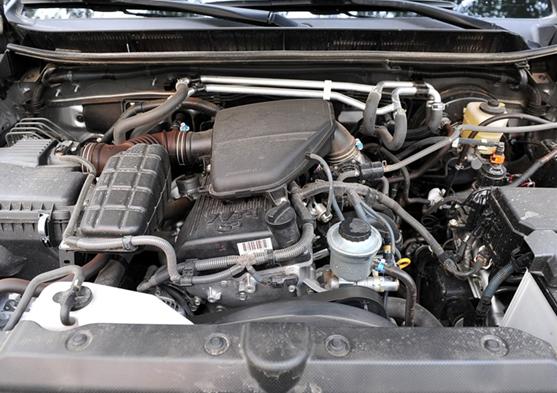 新普拉多沿用了上一代的非承载式车身结构