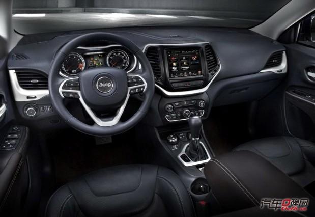 Jeep全新中型SUV自由光中控