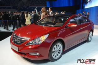 现代索纳塔八现车充足 最高优惠3.4万