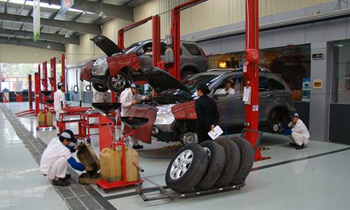 对全省300余家汽车4s店进行了明察暗访,发现这些企业维修服务问题比较